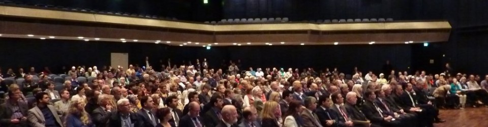 Viele Gäste bei der Podiumsdiskussion
