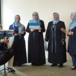 Beeindruckender Chor von Muslimas