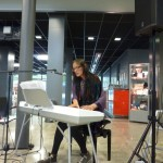 Yasmin Alijah musiziert